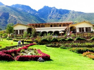 The beautiful and delicious Arco Iris Del Fuente Restaurant and Lodge overlooking the Urubamba River.
